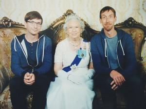 picdrop_queen