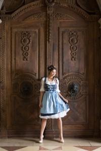 blaue-maid-2