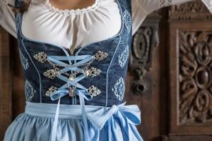 blaue-maid-5