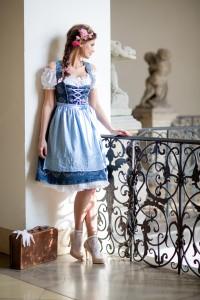blaue-maid-9